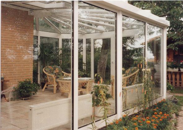 Jak dbać o ogród zimowy?
